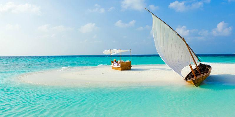 How Maldives Resorts Unveil an Underwater World